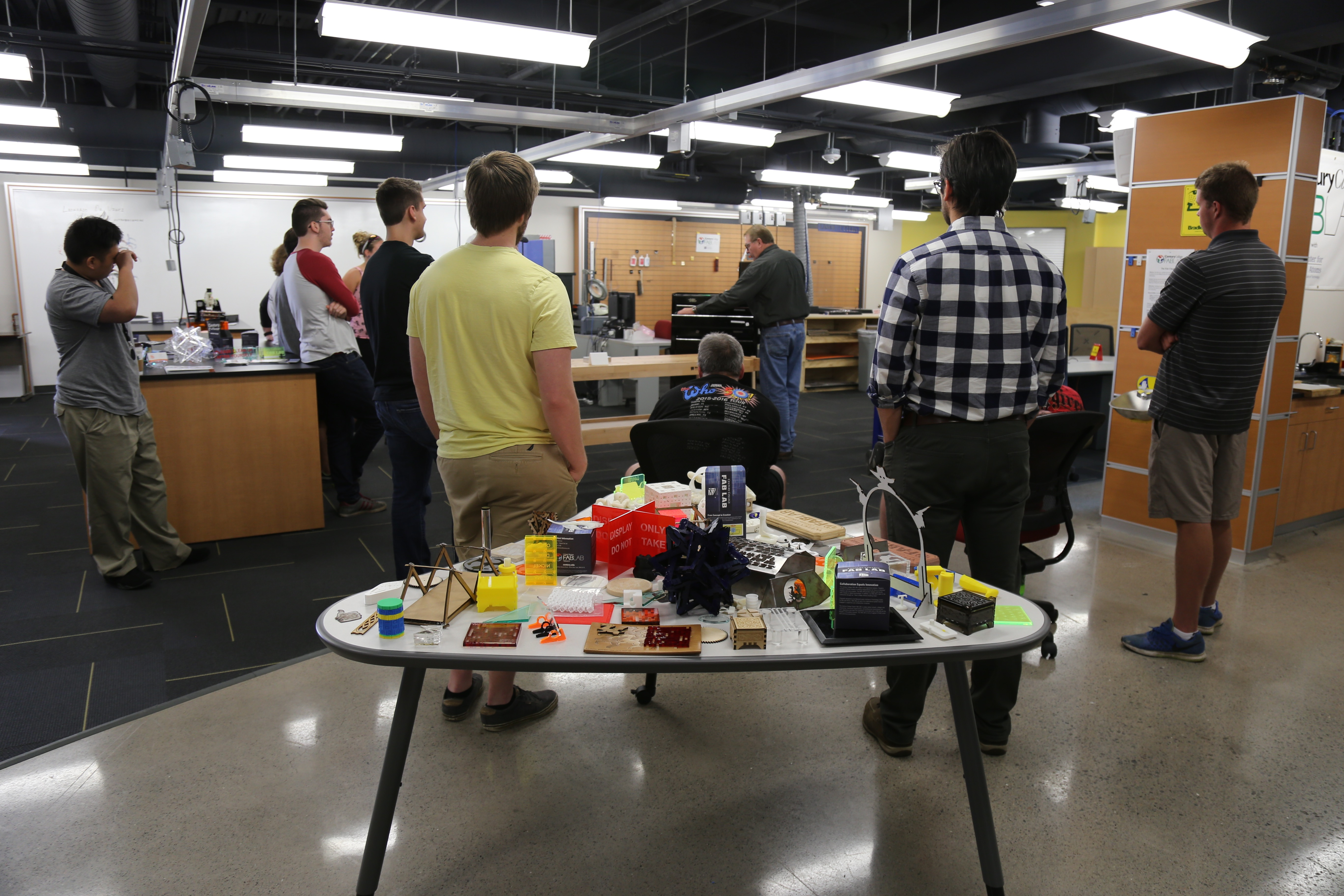 Image of FabLab students and faculty.