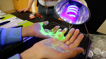 News_STEM_Synthetic_Slime