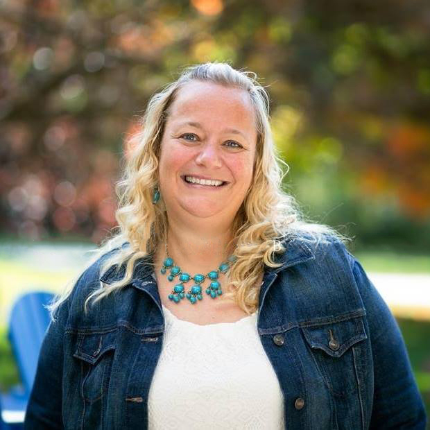 Portrait of Jennifer Rassett