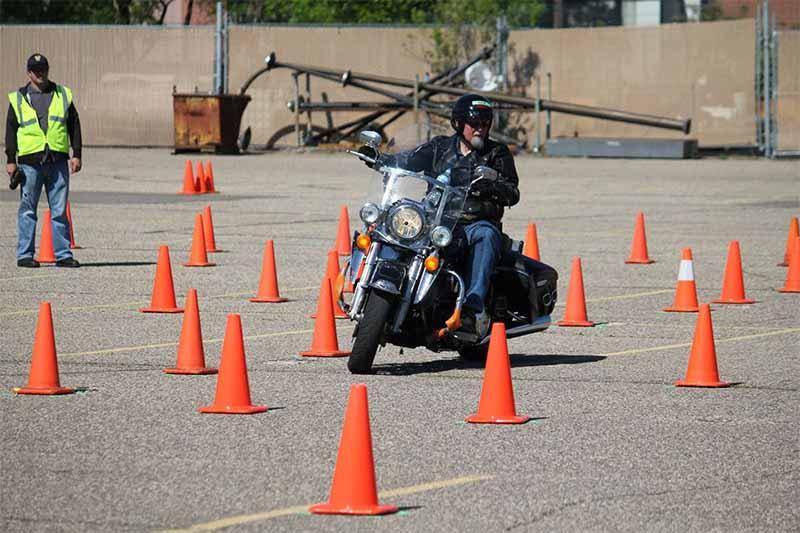 Expert rider course